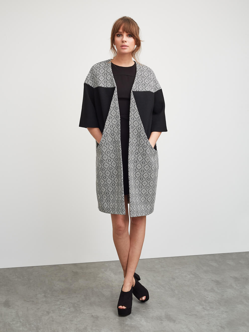 Grace-oliver-summer-coat-black